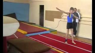 Прыжки на акробатической дорожке