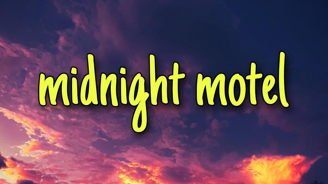 3REM - Midnight Motel (lyrics)