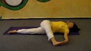 Krokodil - Yoga Übungen für einen entspannten Rücken