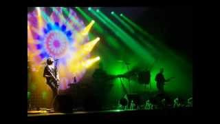 PINK FLOYD - A Foot in the Door (2011) - Hey You.wmv