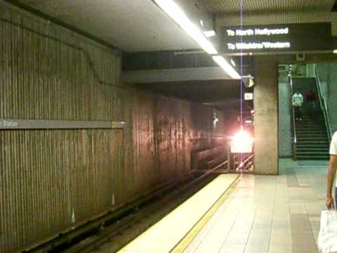 Metro Red line train arrives into Union Station from H-wood