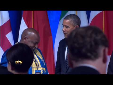 2114AM-USA-OBAMA SMOKING
