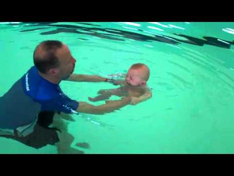 how to teach baby to hold breath underwater