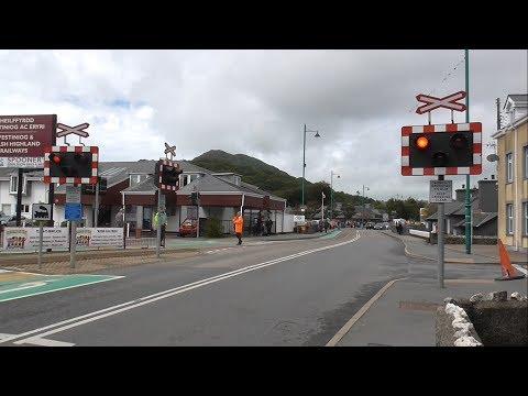 Britannia Bridge Level Crossing