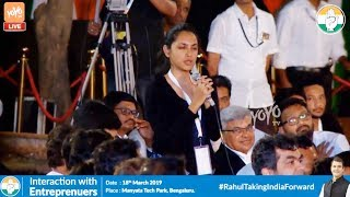 "A Girl Ask The Question To Rahul Gandhi "" Why Everybody Going Around Saying Chowkidar Chor Hai """