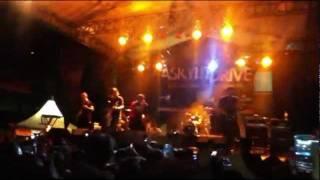 Video a skylit drive - love the way you lie (Rihanna feat Eminem cover) jakarta, Indonesia download MP3, 3GP, MP4, WEBM, AVI, FLV Januari 2018