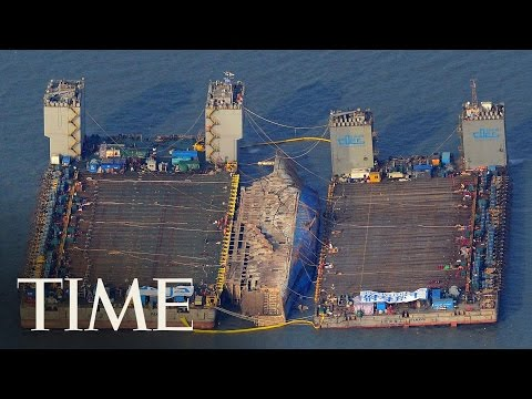 The Ferry In South Korea's Sewol Disaster Is Being Raised From the Sea | TIME
