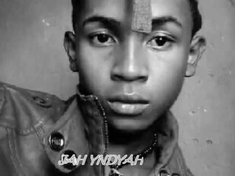 MAMPAMANGY:JAH YNDYAH&RED STAR Feat RAYOM and JAHMAL(VAZO GASY official)