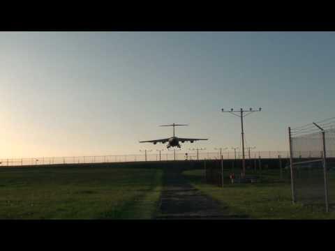 C-17 Globemaster LOW Flyover - Huge Transport Jet landing approach