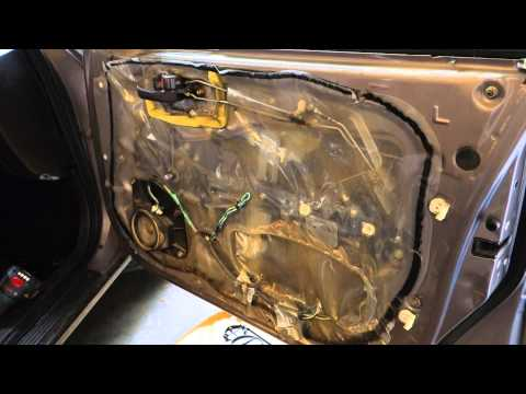 How to repair door lock Toyota cars. Years 1990 to 2010