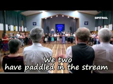 Auld Lang Syne lyrics Scottish Traditional Song karaoke