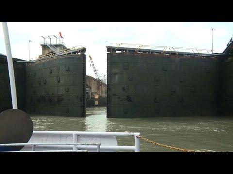 Une visite du canal de Panama en bateau