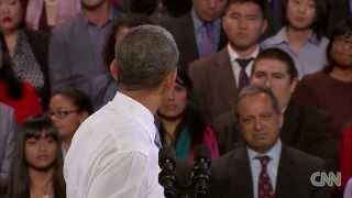 watch how these two politicians responded to hecklers obama vs tweaa