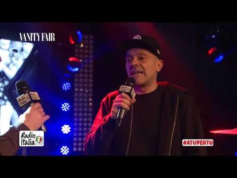 Max Pezzali a Radio Italia Live: A chi dedico oggi Sei un mito
