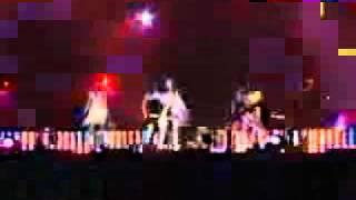 นักร้องเกาหลี เต้นนมหกกลางเวทีที่เป็นข่าวฉาว