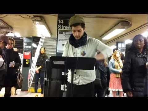 Music in NYC subway : 14 St - Union Sq (uptown)