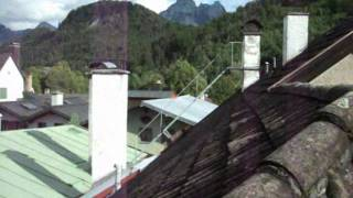 The Great Escape scene where Bartlett escapes across the rooftop.wmv