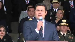 Presidente de Honduras respalda posible rango constitucional de la policía militar