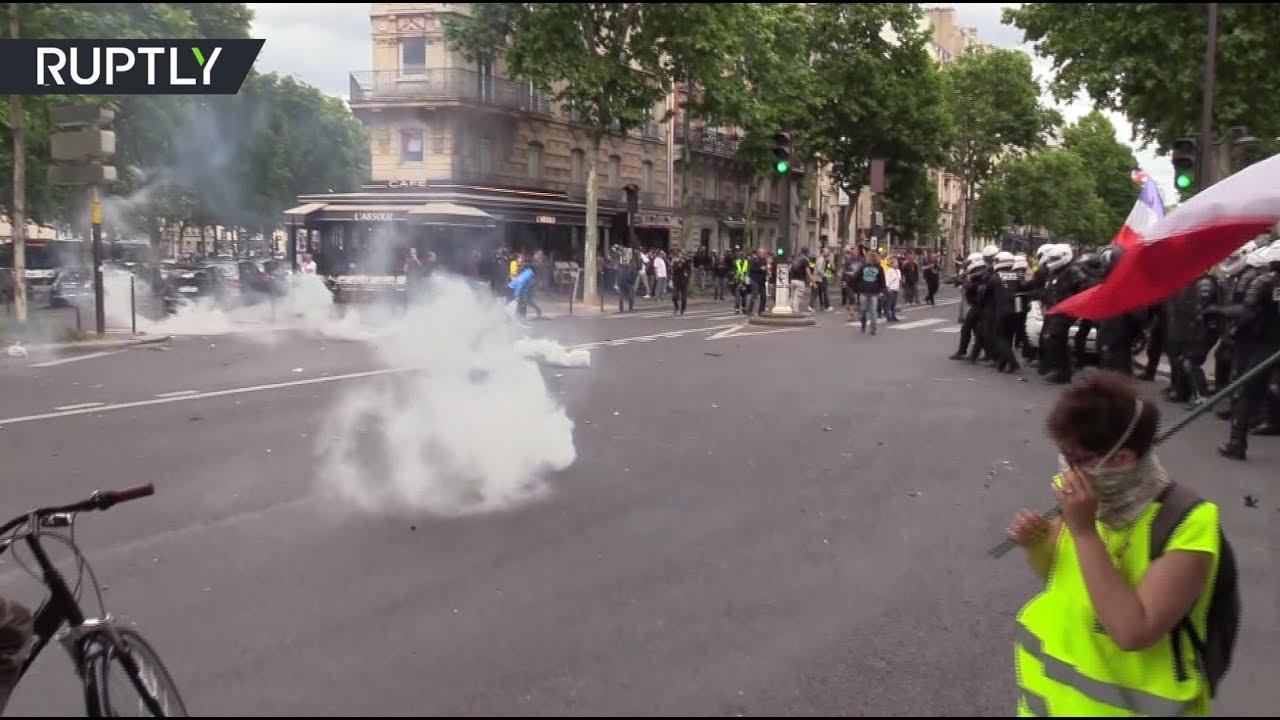 «Свободу Ассанжу»: во Франции прошла 31-я акция «жёлтых жилетов»