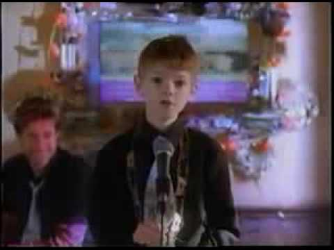 Thomas Sangster - Bobbie's Girl Alan sings