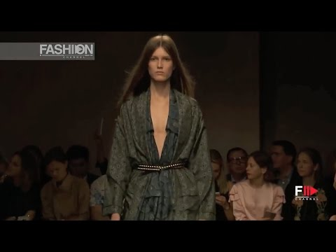 BURBERRY Full Show Spring 2017 London by Fashion Channel