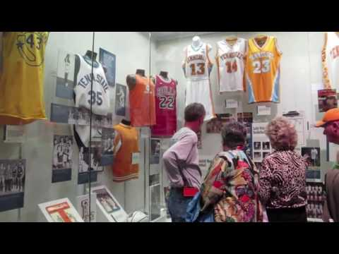 Pat Summitt exhibit popular at Tennessee Sports Hall of Fame