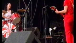 The White Stripes - Screwdriver, Peggy Sue. Reading Festival 2002. 9/9