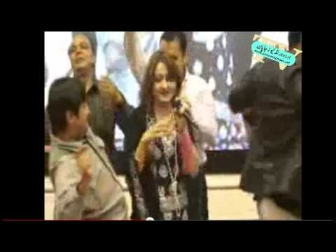 SHAZIA KHUSHAK SLAPPING A MAN WHILE IN CONCERT