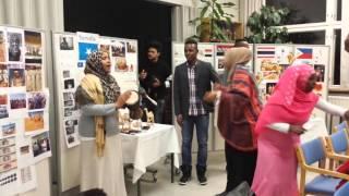 Сомалийцы куражатся