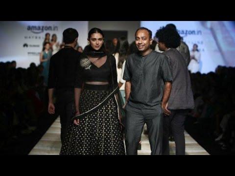 Aditi Rao Hydari Walks At Road to Chanderi Show   India Fashion Week   Spring/Summer 2017