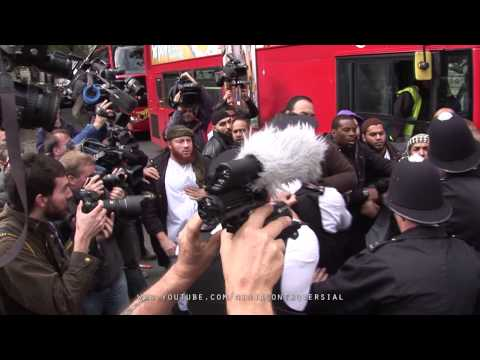 Anjem Choudary's group scuffles with police at Royal Courts of Justice