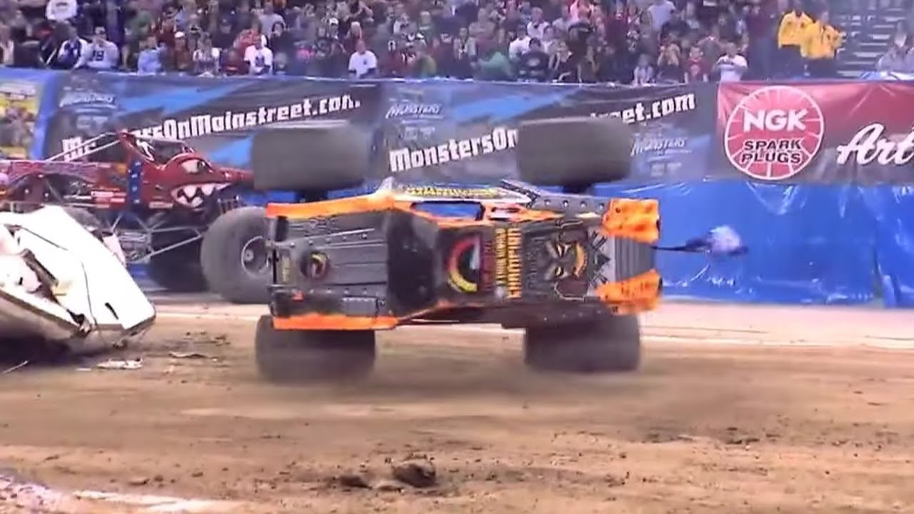 Review and Photos: Advance Auto Parts Monster Jam® at ... |Monster Truck Maximum Destruction 10th Anniversary