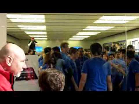 iPad in Apple Store, Valley Fair