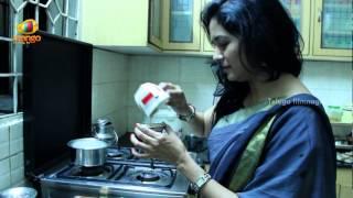 Singer Sunitha singing Sumam Prathi Sumam Song From Maharshi Movie