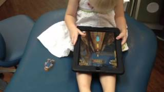 2 year old playing temple run score over 100000