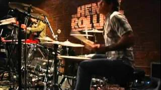 Queens of The Stone Age - Misfit Love (Live on The Henry Rollins Show)
