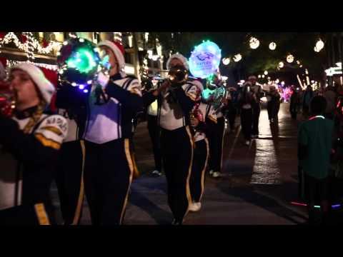 Naples Christmas Parade 2019.Naples Christmas Parade