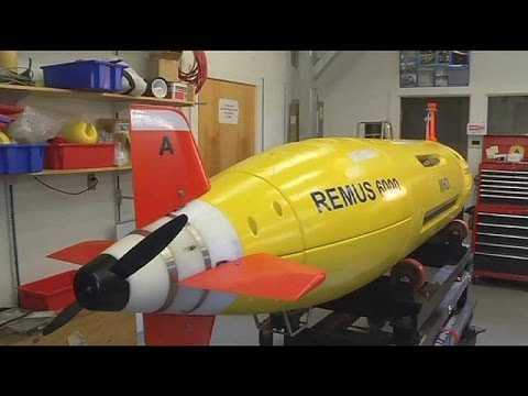 Underwater experts prepare to search for missing plane with unmanned submarine