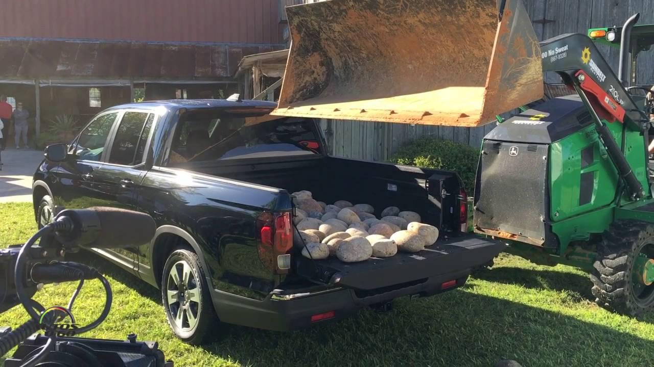 honda ridgeline innovative  versatile pickup cargo bed youtube