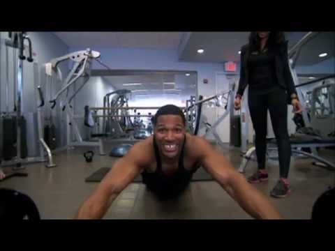 "Michael Strahan Shows His Workout Secrets on ""LIVE with Kelly and Michael"""