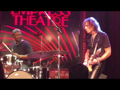 Kevin Russell - Voodoo Child HD Live at the Empress Theater, Vallejo CA