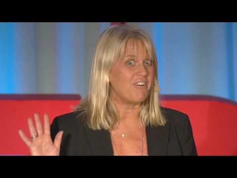 'How I stole great customer service - with pride!' | Lisa Ekström | TEDxLundUniversity