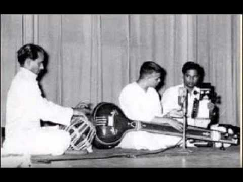 Pt D V Paluskar Raag Gaud Malhar( Longer version)