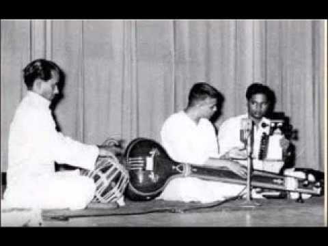 Pt D V Paluskar Raag Gaud Malhar( Longer version)