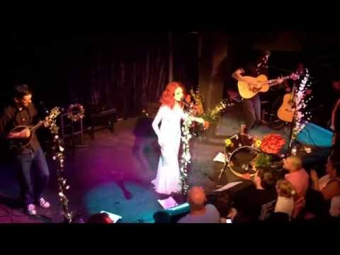 Janet Devlin - Creatures of the Night (Live at the Jazz Cafe, London 11/6/14))