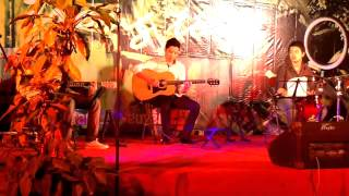 Sakura Kaze  + Clb Guitar ĐH kiến trúc