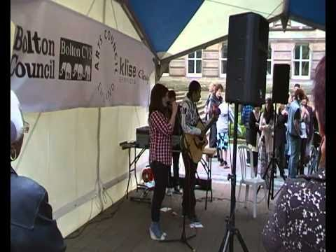Lois Holmes and Isaac Williams (Live) 3