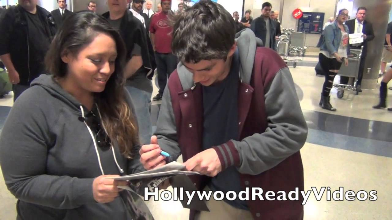Dylan obrien greets fans arriving back at lax airport in la youtube kristyandbryce Image collections