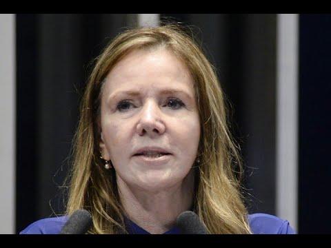 """Vanessa Grazziotin registra lançamento do manifesto """"Unidade para reconstruir o Brasil"""""""