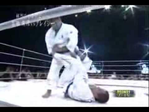 JudoYoshida vs. JujitsuRoyce Gracie